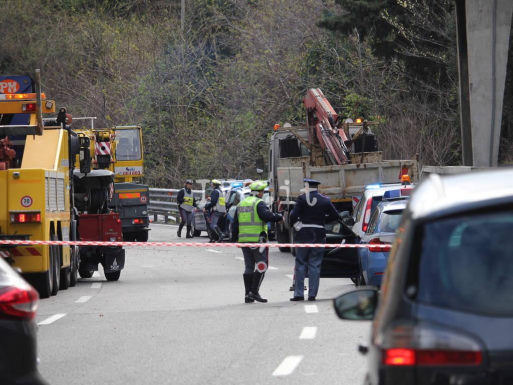 incidente a10 tir camion investe cantiere
