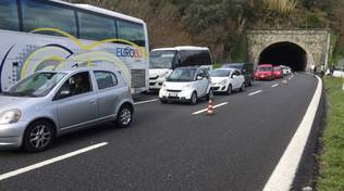 Incidente a10 tir investe cantiere