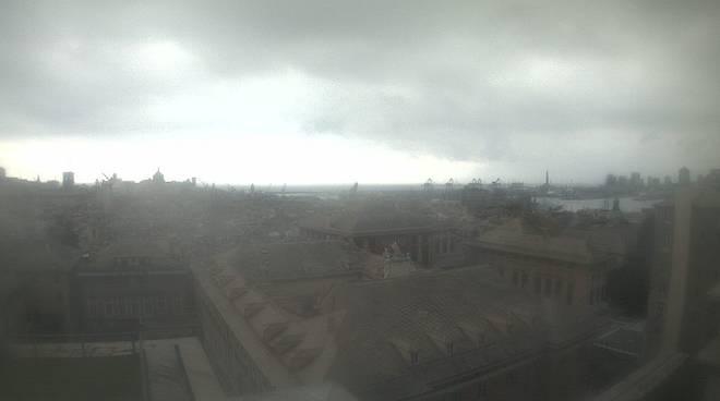 Nuvole sul centro storico di Genova