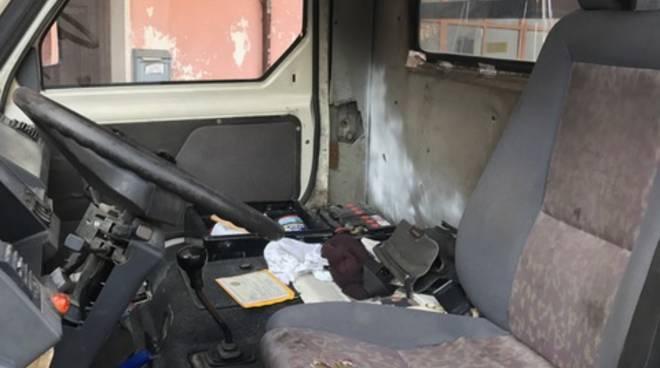 Centro revisioni sequestrato ad Albenga: 35 auto fermate dalla Stradale
