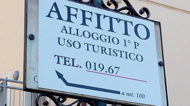 Loano Via Carducci Cartello Affitto