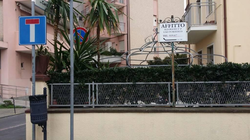 Via carducci diventa via affitto alloggio il cartello - Nomi agenzie immobiliari ...