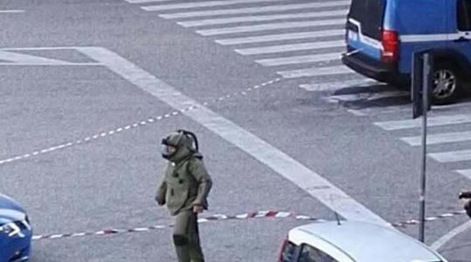 Genova, ennesimo falso allarme bomba per un pacco sospetto in via Dante