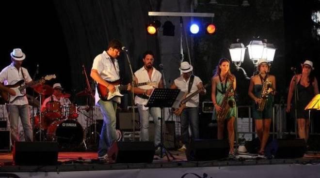 Serata dedicata a Eric Clapton all\'Alzati Lazzaro con la Slowband
