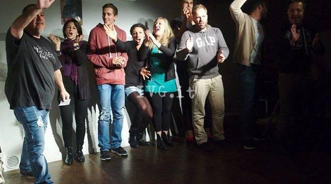 Domenica 9 aprile Chapeau Comedy League con Daniele Raco al circolo Chapeau di Savona