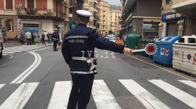 Crollo asfalto via San lorenzo