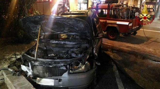 Incendio Auto Vado Ligure