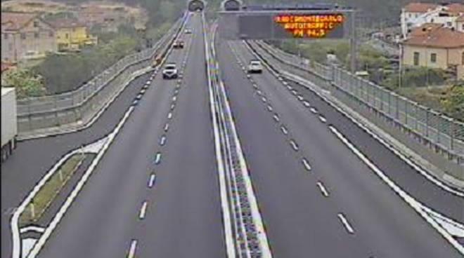 Ponte del 25 Aprile, torna regolare il traffico sull'autostrada