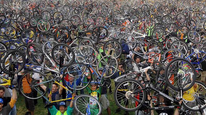 earth day biciclette genova