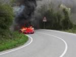 Ferrari F40 a fuoco a Villanova