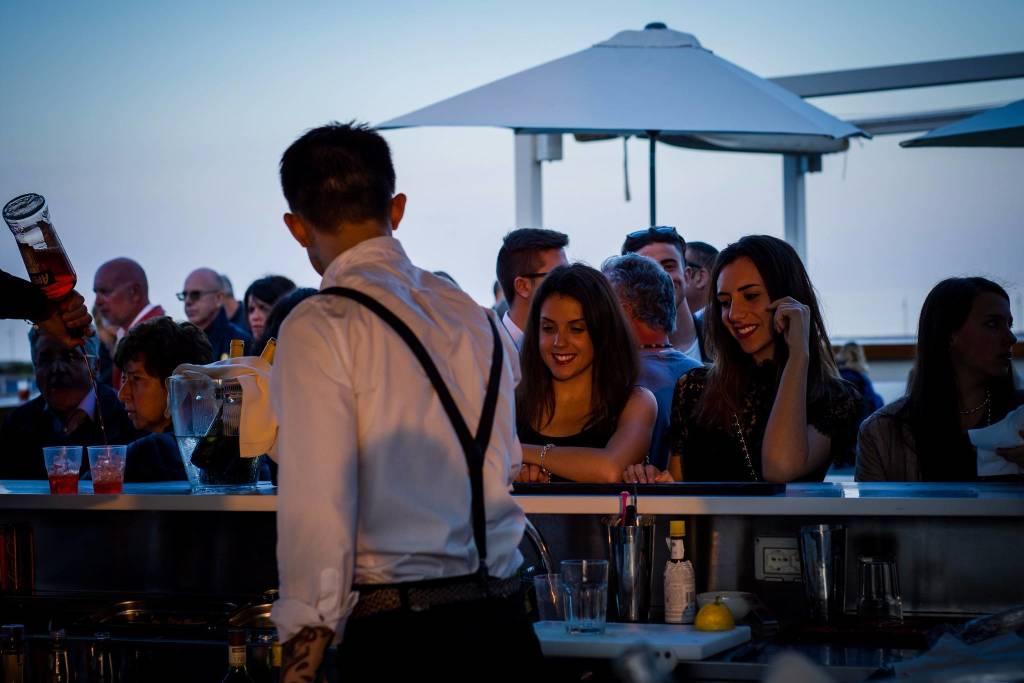 Happy Hour sul mare Yacht Club Marina di Loano