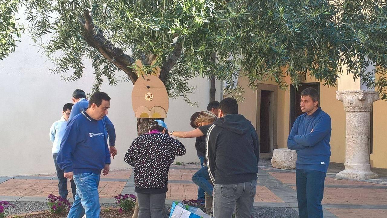 I ragazzi dell'istituto medico-pedagogico di Borghetto decorano Toirano