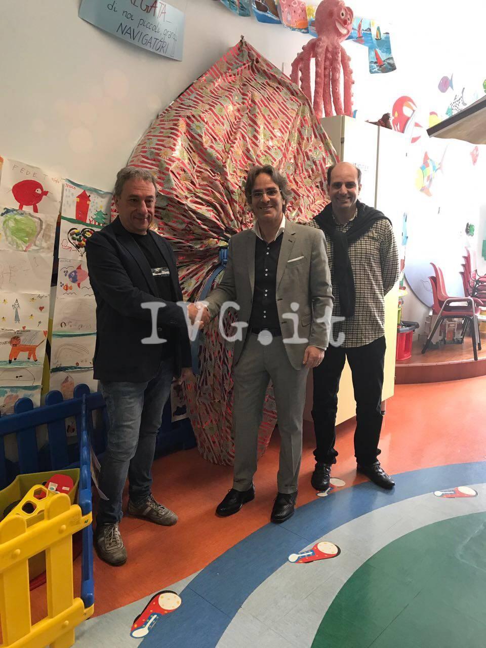 Pasqua, il regalo dell'Ipercoop di Savona ai bimbi della pediatria