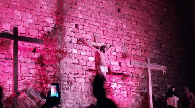 Savoca: domani va in scena la rappresentazione vivente della 'Passione di Cristo'