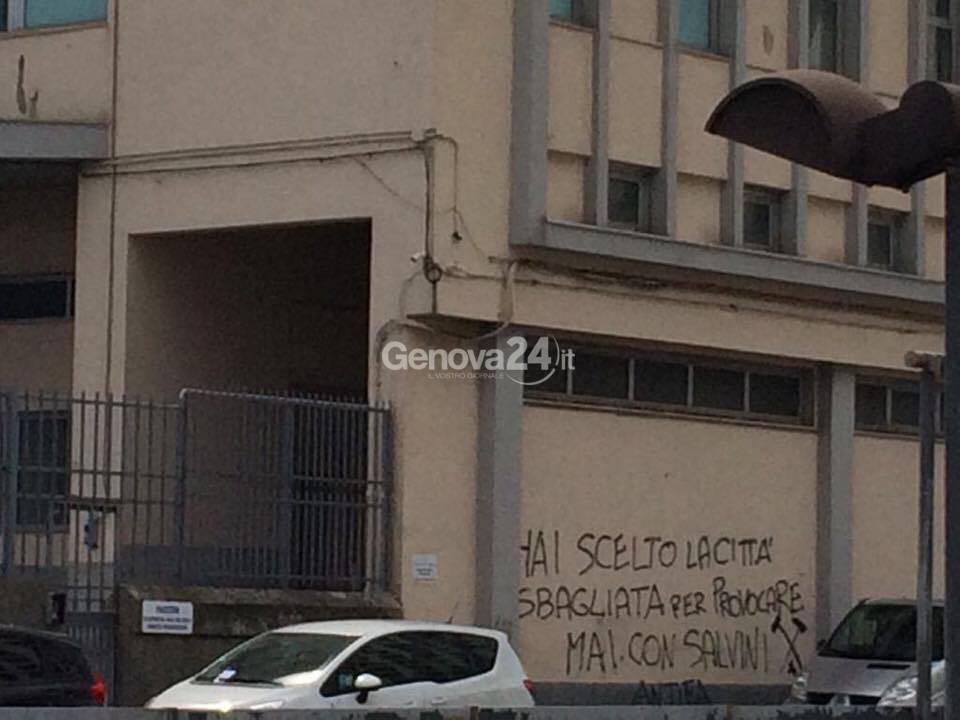 Scritte contro Salvini davanti al Cap