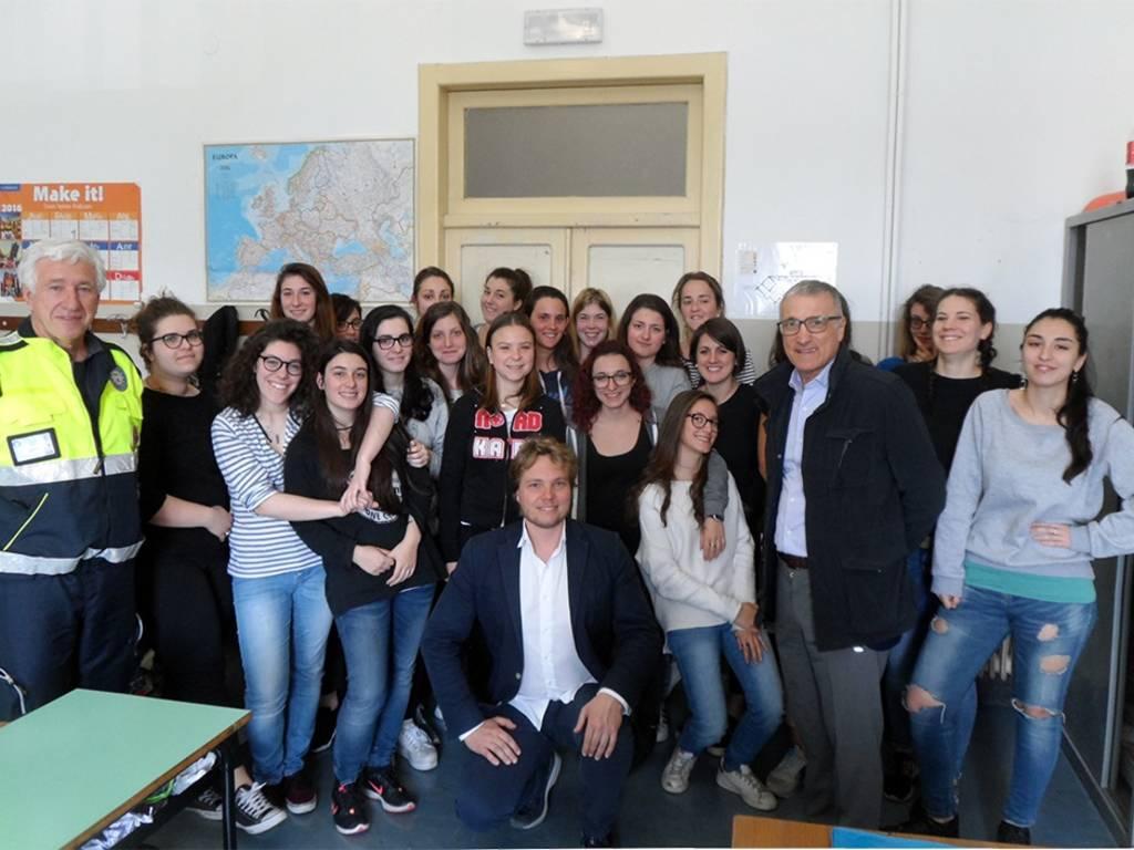 Sindaco Levaggi e consigliere Rocca a scuola