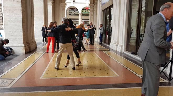 Tango flash mob