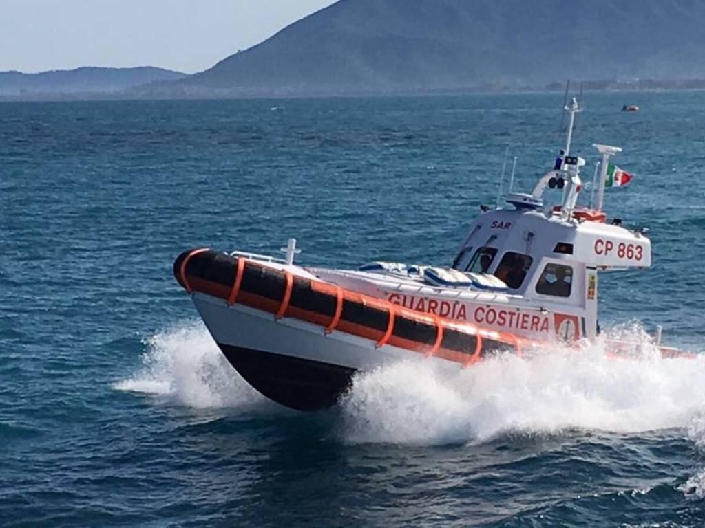 Capitaneria Porto Guardia Costiera Motovedetta CP 863