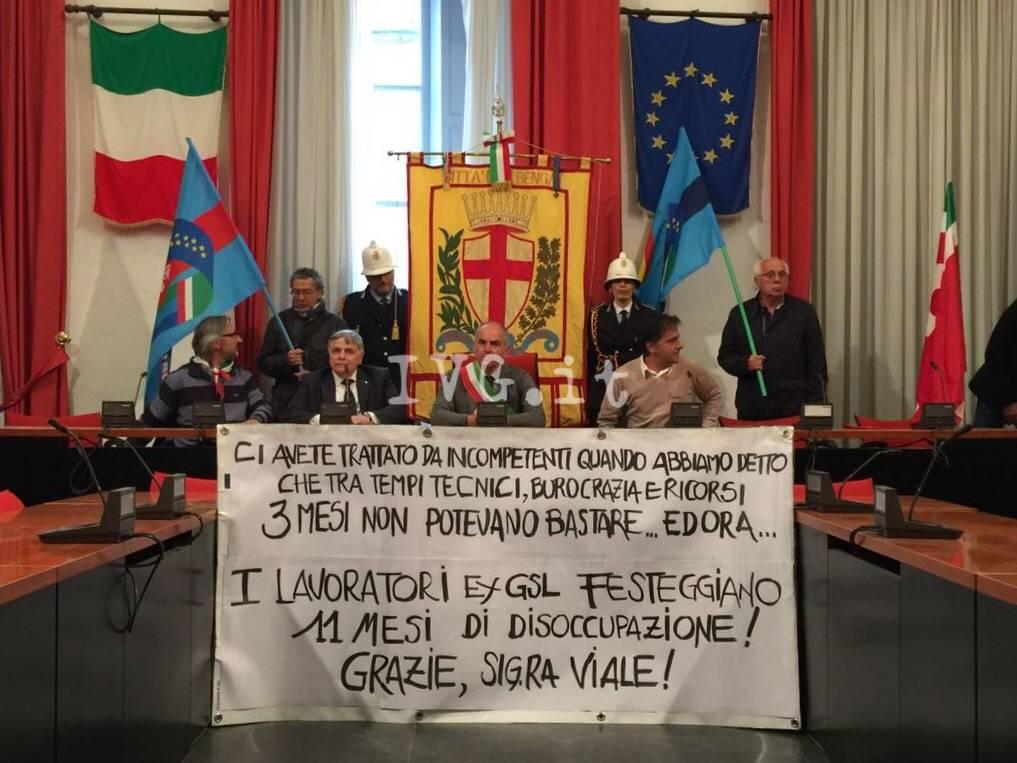 Albenga, la protesta dei lavoratori ex Gsl
