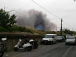 Albenga, serra in fiamme a Vadino