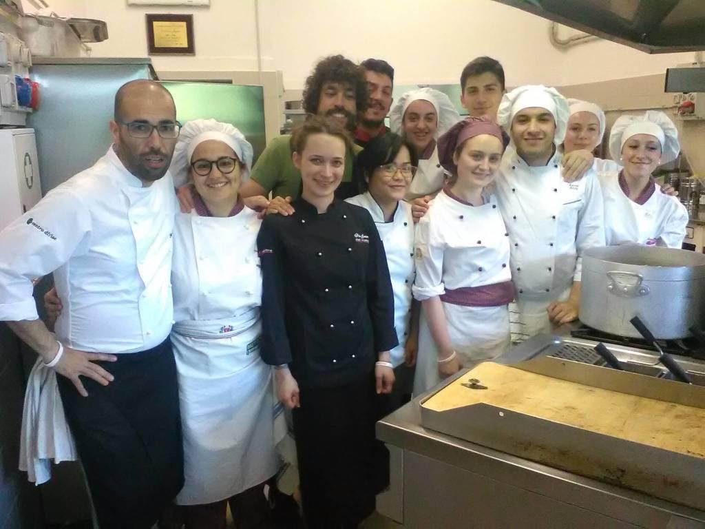 """All'alberghiero di Finale la cena di solidarietà """"Facciamoci del bene"""""""