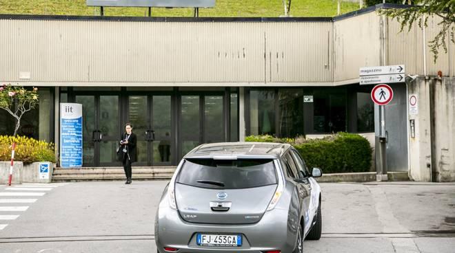 Auto elettriche, Nissan punta alle nuove infrastrutture di ricarica