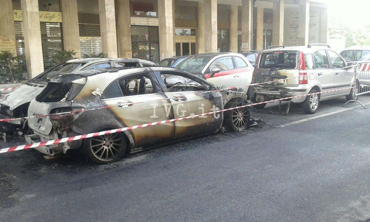incendio auto fuoco bruciata