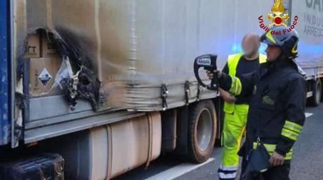 incendio camion a12