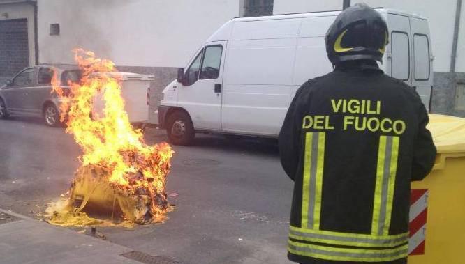 incendio cassonetto