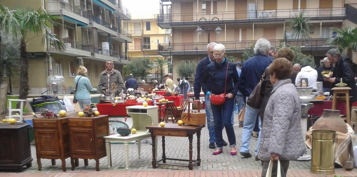 Loano festa della torta ligure e mercatino dell for Mercatino antiquariato