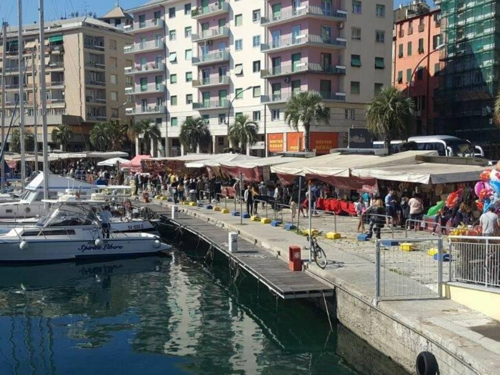 mercato darsena riviera delle palme