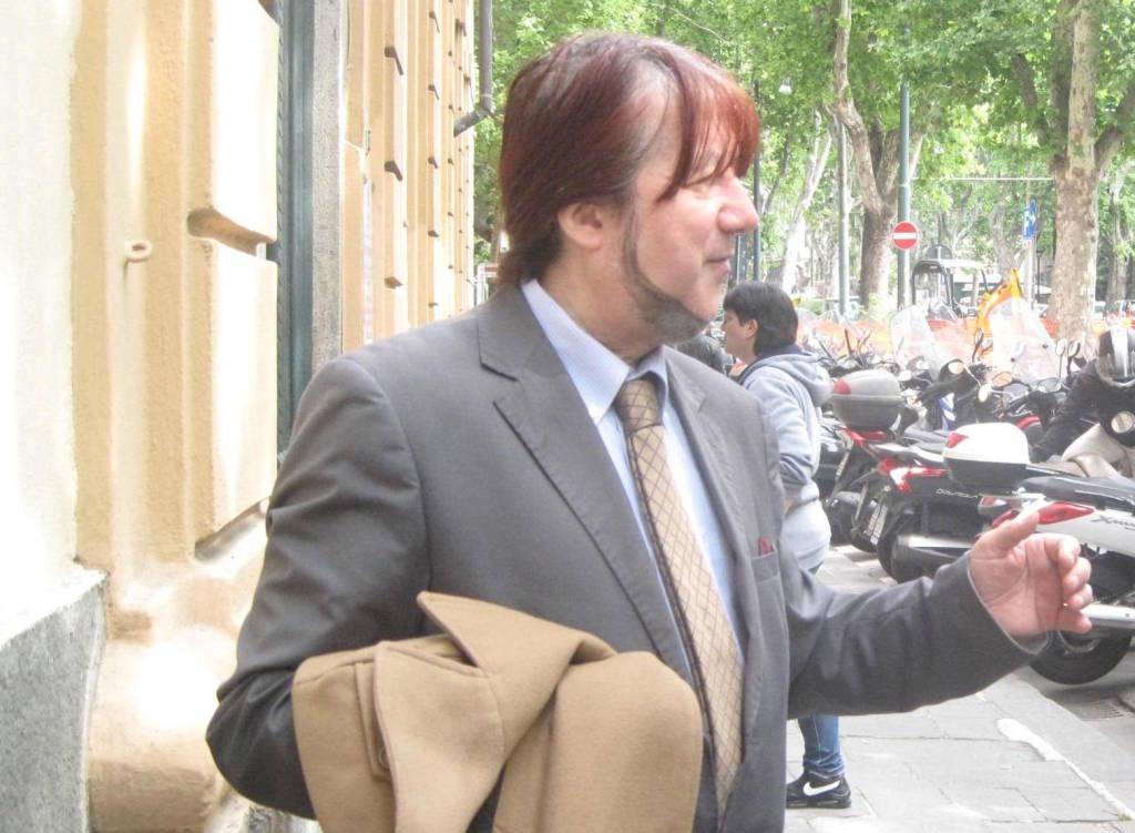 Rocker, astrologo e con un debole per le sfide elettorali: Perseo Miranda ...