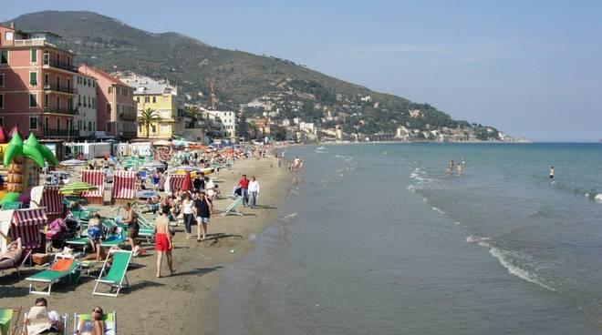 Ambiente: bandiere Blu, 342 spiagge premiate (+16,7%), Liguria al top