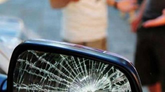 truffa specchietto rotto