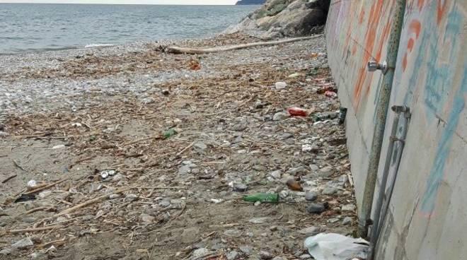Degrado Spiagge Libere Ceriale