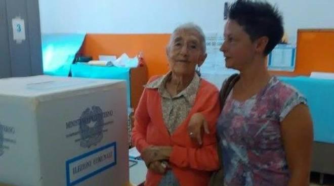 Calizzano elettrice più anziana