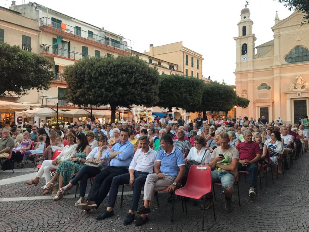 festa piazza pietra ligure