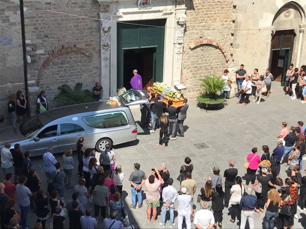 Il funerale di Simon Gheno