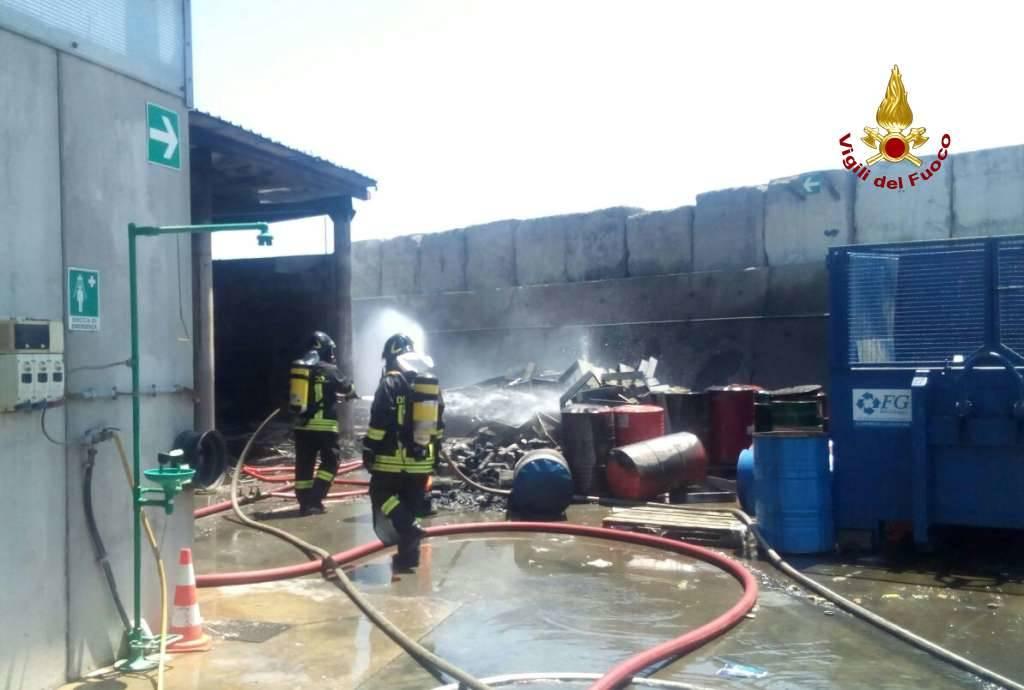 incendio porto savona