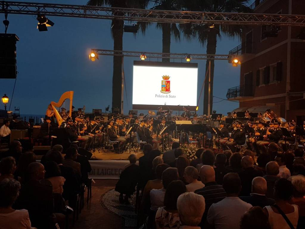 Laigueglia, successo per il concerto della Banda della Polizia di Stato