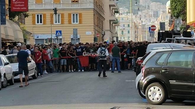 manifestazione 30 giugno genova