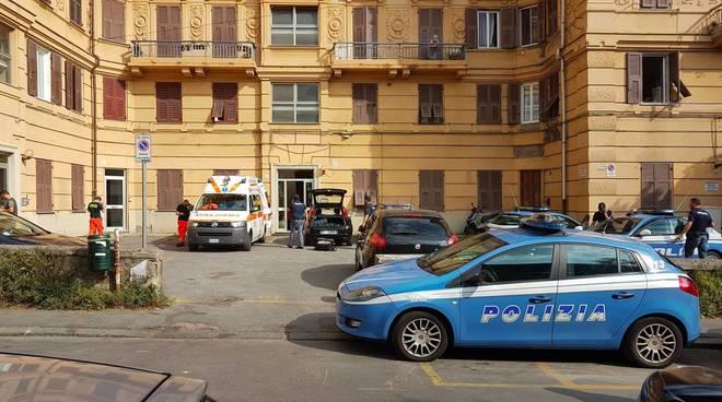 Omicidio in via Pellegrini, 35enne ucciso a coltellate dalla convivente