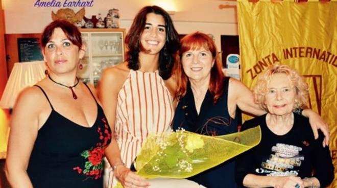 Premiazione studentessa borsa di studio Zonta Club Savona