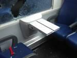 vetro sfondato vandali treno