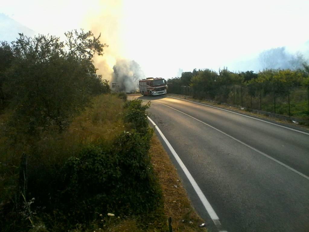 Villanova d'Albenga, incendio in un'azienda di compostaggio vegetale