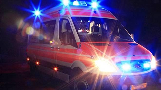 Moto contro auto a Cavi Borgo, morto uomo di 50 anni