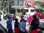 Andora, uomo minaccia di lanciarsi dal tetto di un albergo