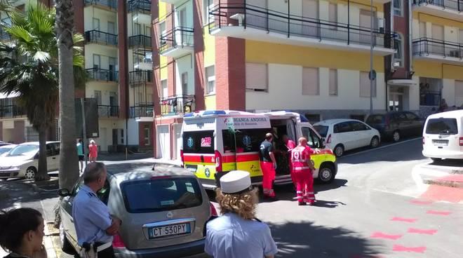 Andora: incidente mortale. Scontro tra furgone e auto. Un uomo deceduto
