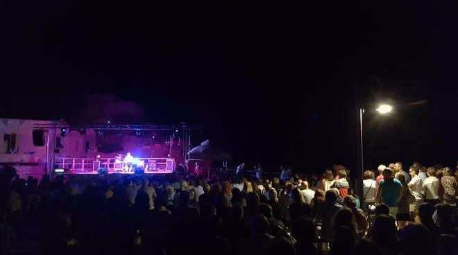 Bagno di folla per Francesco Baccini al Varigotti Festival