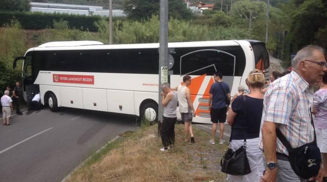 bus incastrato